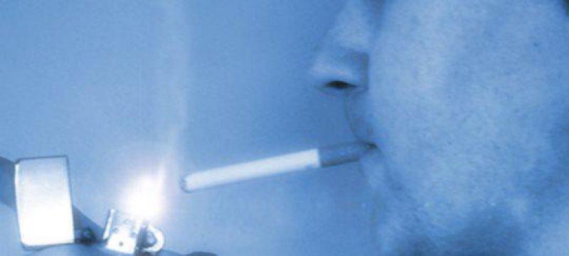 Zigarette Raucher Tabak