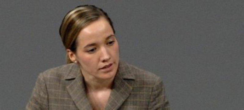 Pflege-TÜV: Kristina Schröder fordert Nachbesserungen