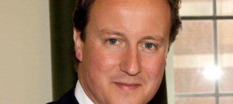 Britischer Premier Cameron bricht Urlaub ab
