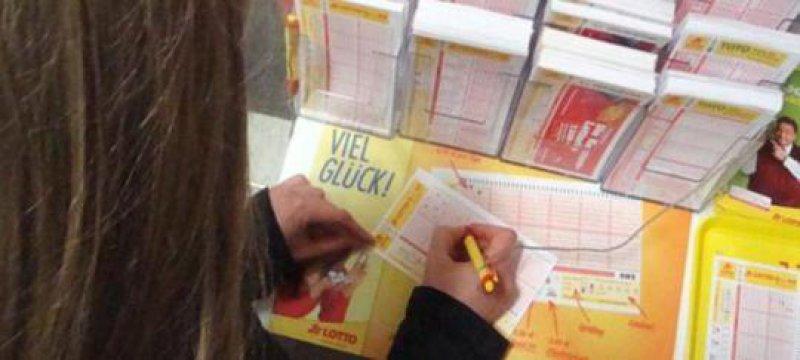 Lotto-Jackpot Gewinnklasse 1 im Lotto 6 aus 49 wächst auf zwölf Millionen Euro