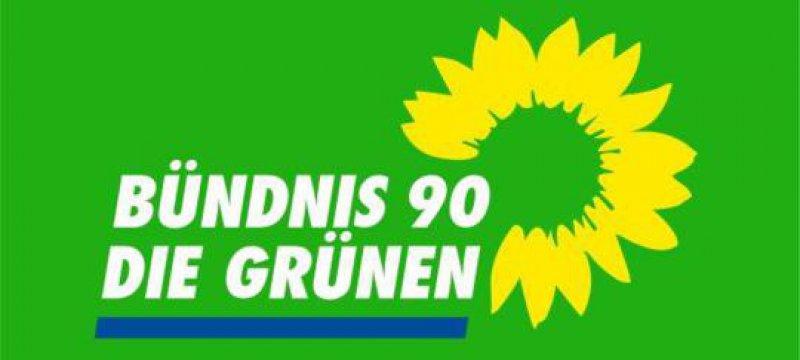 Grünen-Chefin gegen Unterzeichnung der Atomgesetze
