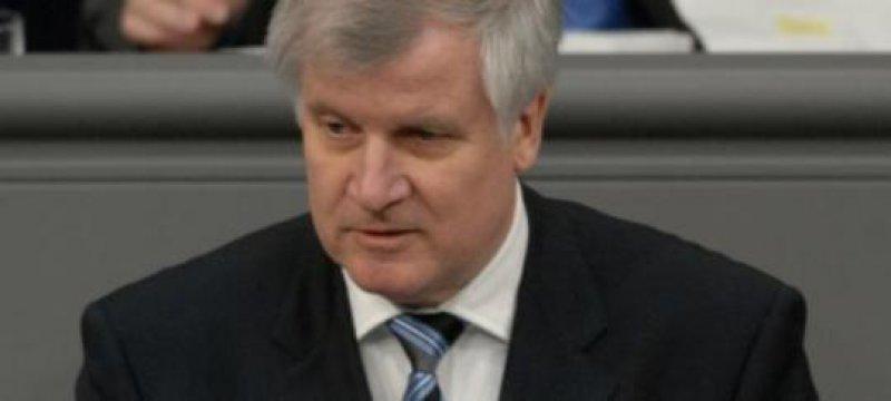 Seehofer: Finanzierung des ESM braucht Nachtragshaushalt