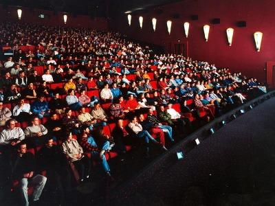 Zwei Milliarden Dollar in die Kinokassen gespült