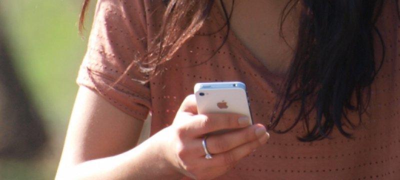 Smartphone-Nutzerin