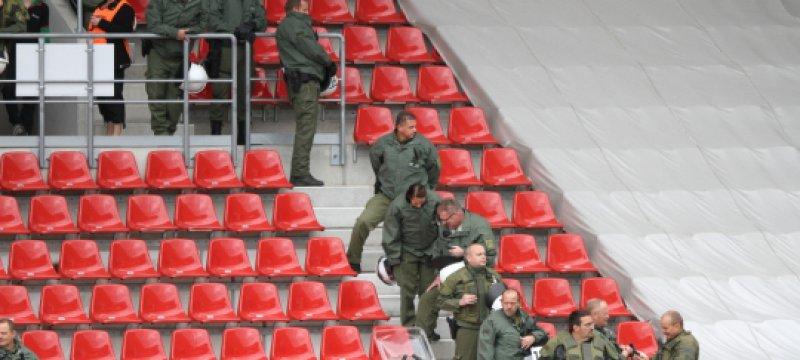 Polizei im Stadion