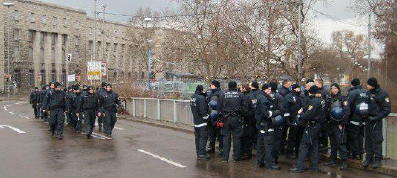 """400 Verletzte bei Polizeieinsatz gegen """"S21-Proteste"""