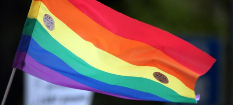 Regenbogen-Fahne