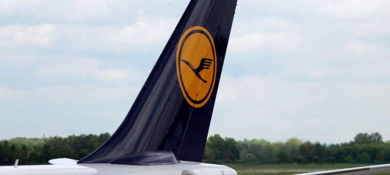 Lufthansa-Maschine am Flughafen