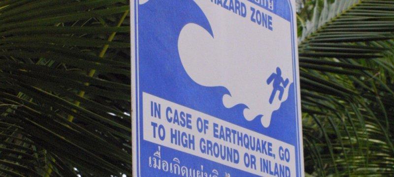 Tsunami-Warnschild