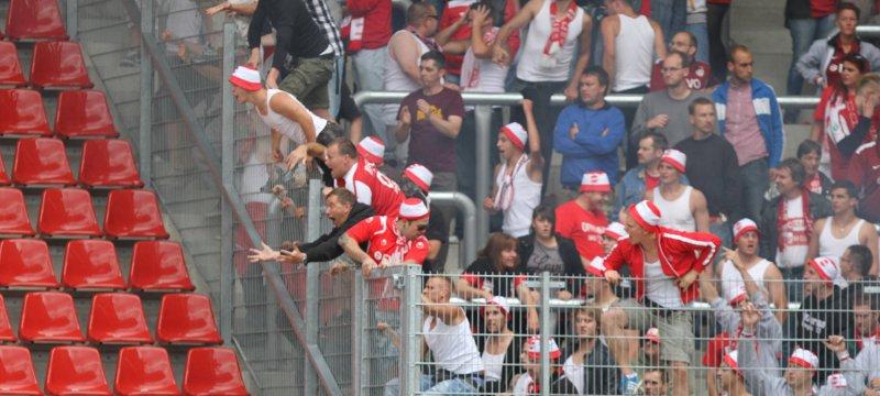 Aggressive Fans im Stadion