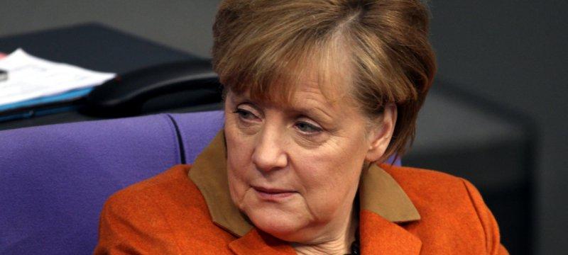 Angela Merkel schaut skeptisch