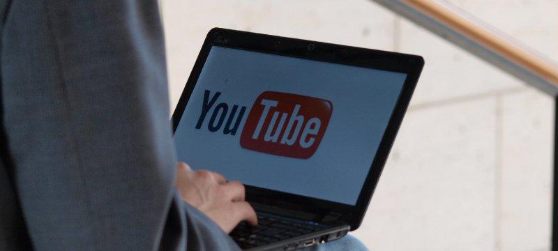 Youtube-Nutzer am Computer